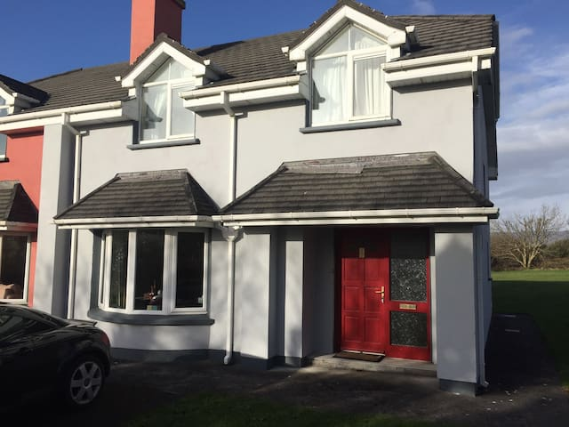 Fully furnished holiday home Kerry! - Waterville - 獨棟