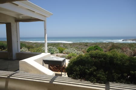 Pelican Villa - Grotto Bay - House