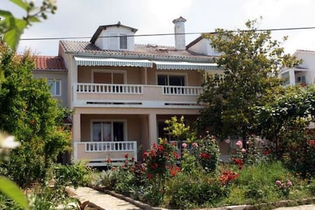 Classic two bedroom apartment in Barbat - Barbat