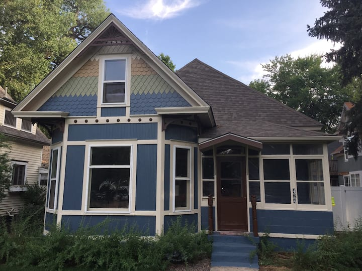 Downtown House (MainLevel) Heart FoCO (30 Day Min)