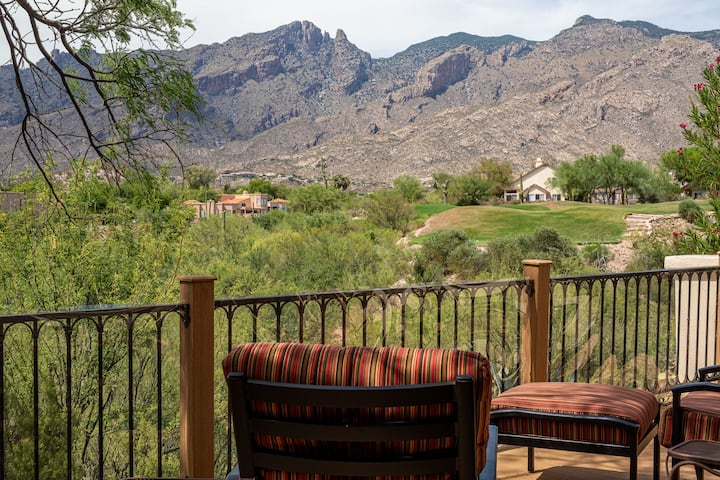 La Paloma Home with Spectacular Mountain Views