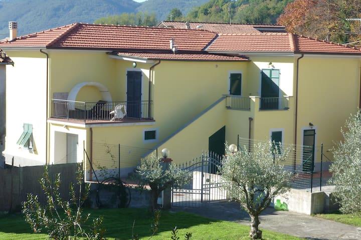 La Casa di Nadia - Sarzana - Leilighet