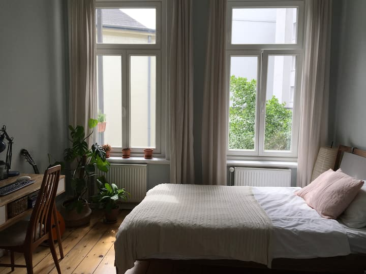 Spacious & Quiet Flat in the Heart of the Schanze