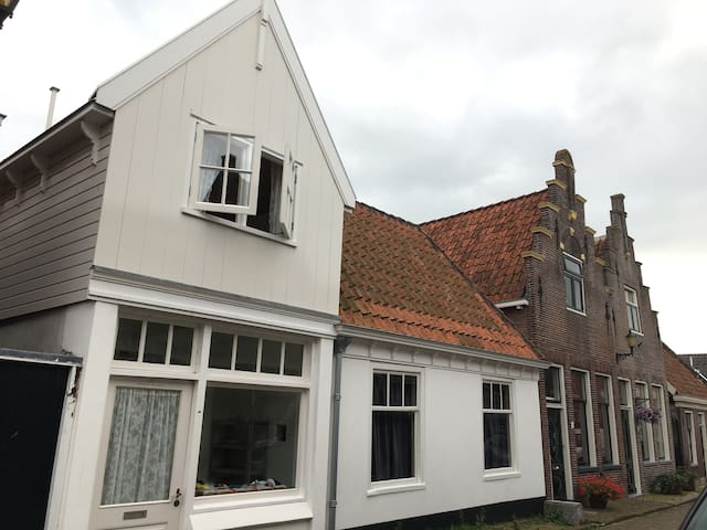 19Th Century Townhouse in beautiful Edam