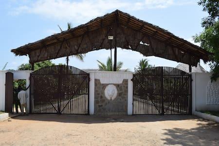 Yasmin Villa - Karibuni beach resort