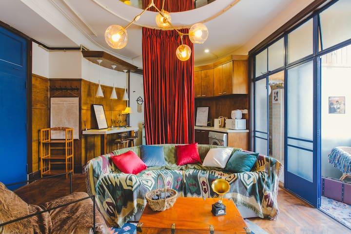 【乐意公社】淮海路圣保罗公寓 上海百年风韵|拍摄打卡地/弧形客厅+阳台 #你看到的我是蓝色的