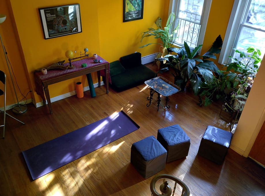 A nice space to enjoy the sun and practice yoga in the morning.