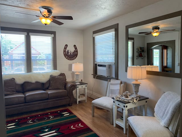Walker's Place- Historic Home Two Blocks from Downtown Whitefish!