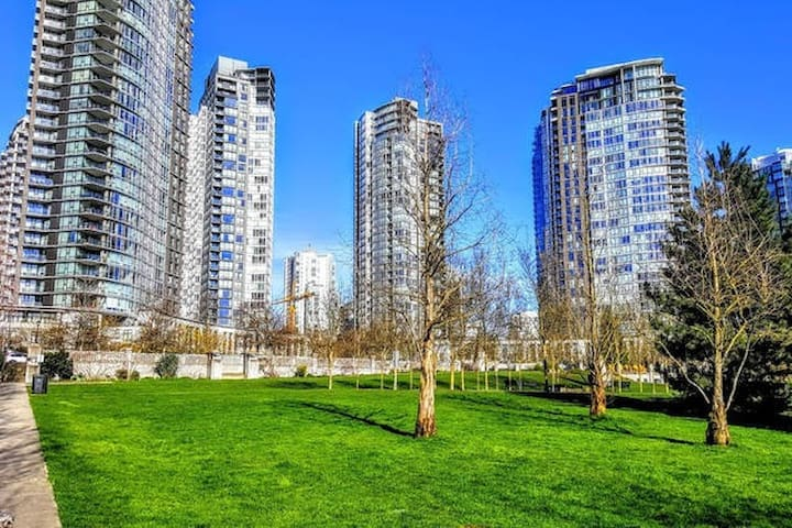 New Luxury Yaletown 1br By The Seawall +  pool/Gym - Vancouver - Lakás