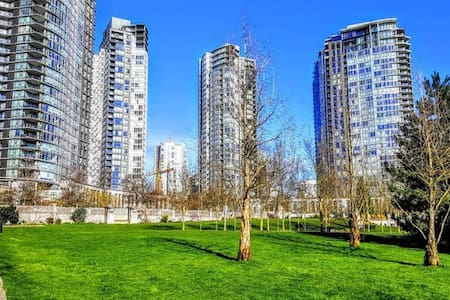 New Luxury Yaletown 1br By The Seawall +  pool/Gym - 温哥华 - 公寓