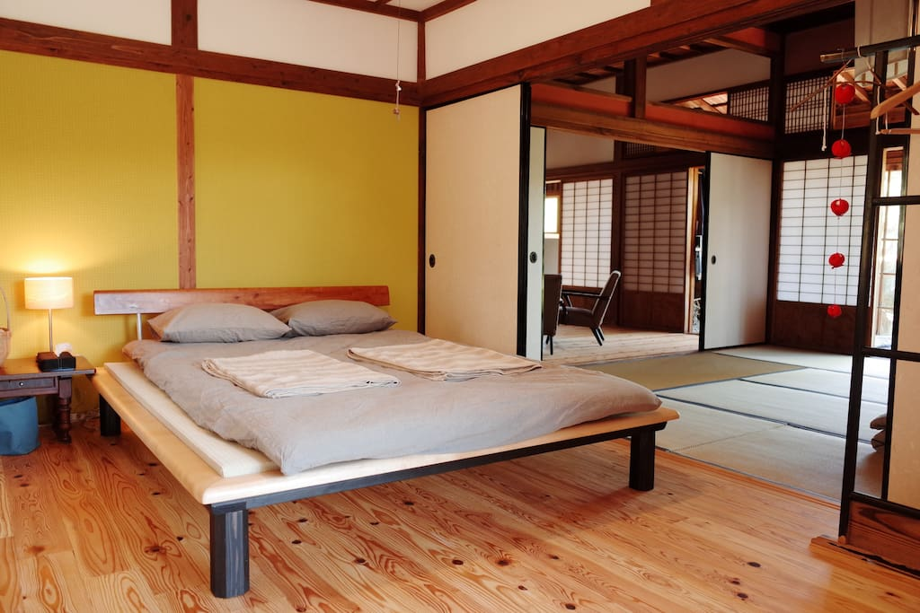 A cosy double bed room