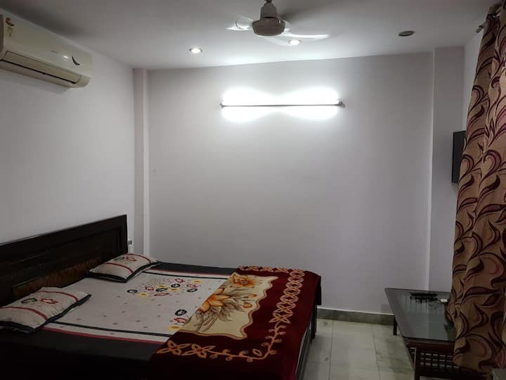 Single room with terrace 2