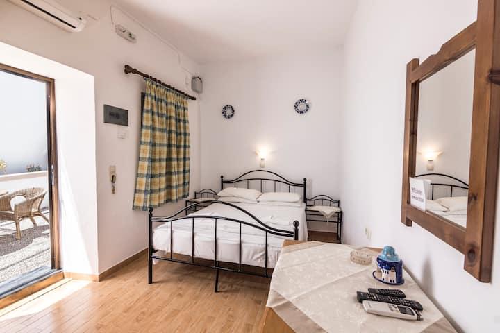 Lindos villa mika studio apartment sleeps 3