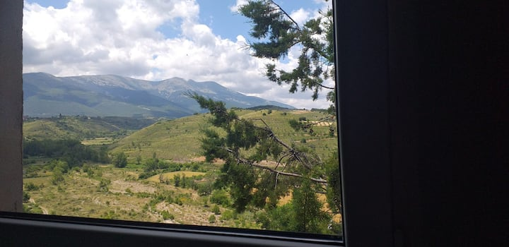 Contemplando el Moncayo desde mi ventana