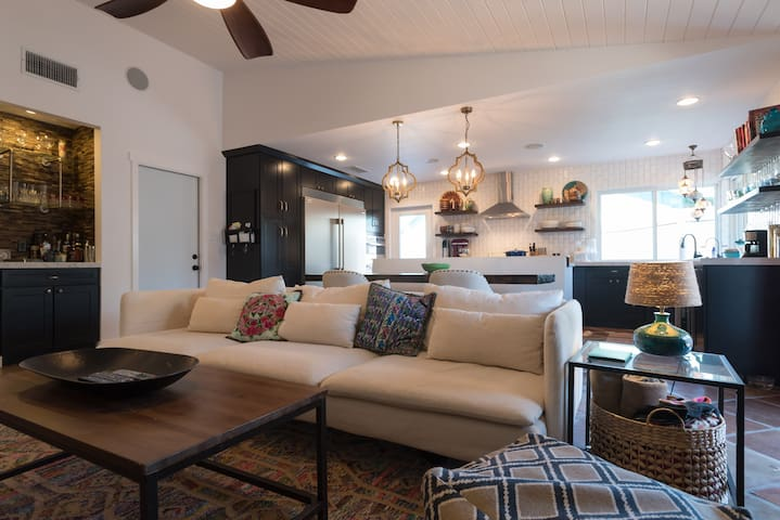 Fully Renovated & Stylish South Austin Home