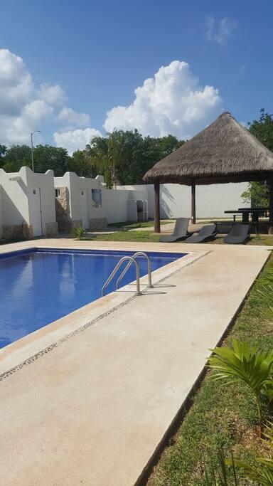 piscina y palapa comun