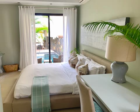 The Bay Beach Villa, Ground Floor Suite