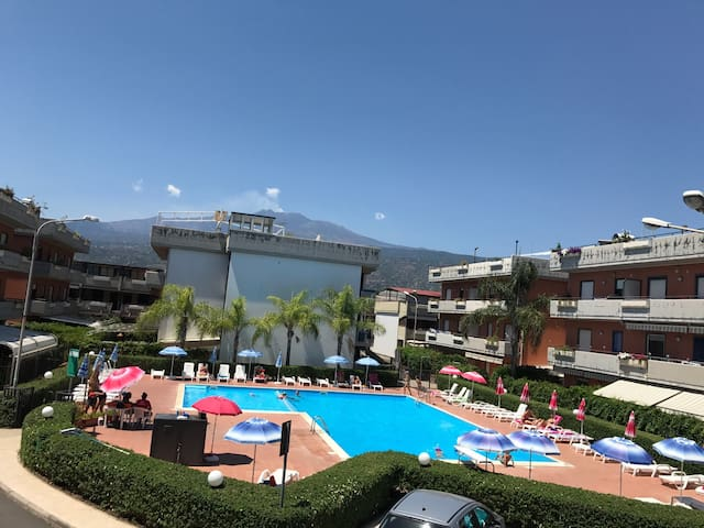 Flat Pool&Sea&Private parking