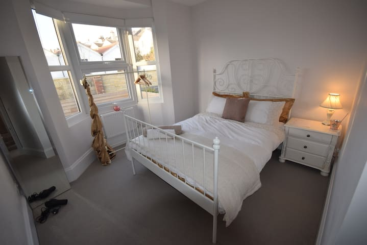 5 Star Elegant Suite. 3 Parking Breakfast & Garden - Brighton