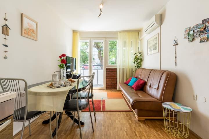 Flavia apartment-2BR-Near City Center-Free parking