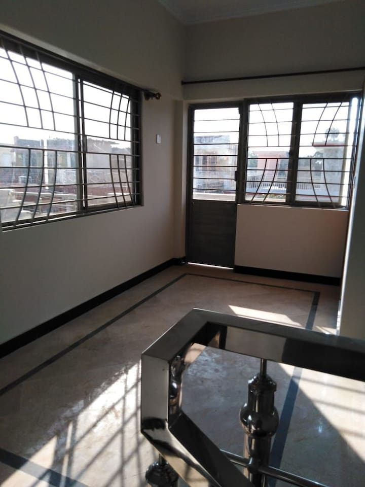 Spacious room in i 10 islamabad