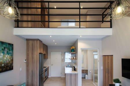 Furnished modern loft apartment in Walmer. - Port Elizabeth - Loft