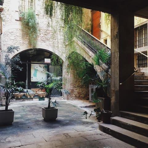 Habitación con patio exterior