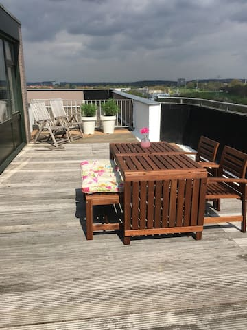 Penthouse 12e floor with large terrace - Heerlen - Apartment