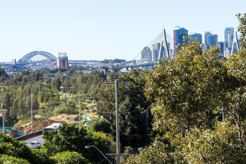 Full Harbour Bridge, Anzac Bridge and City skyline views from your balcony, living and dining rooms!