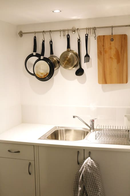 Kitchenette with basic cooking equipment