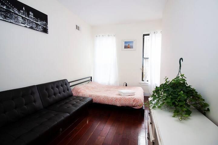 ⁂Large Peaceful Private Room in Bushwick⁂