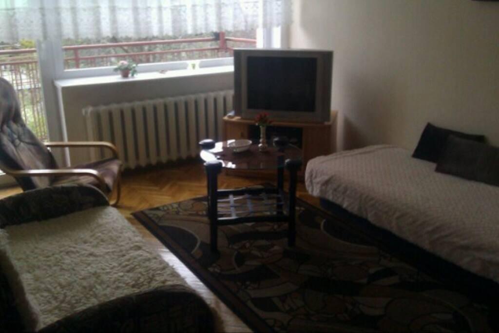 Pokój z kanapą i tapczanem