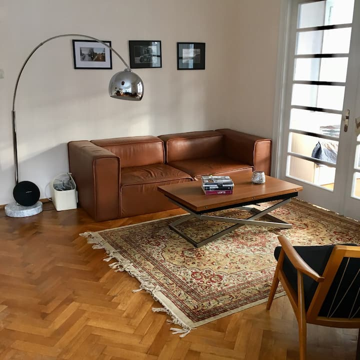 Charming and spacious family apartment with yard