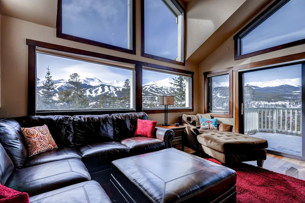 Now this is a (living) room with a view. What you choose to view is entirely up to you.