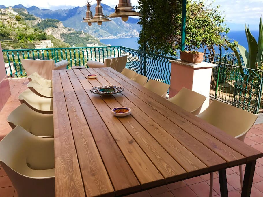 The villa is on the hill, like a private garden overlooking the Republic of Amalfi and the ocean.
