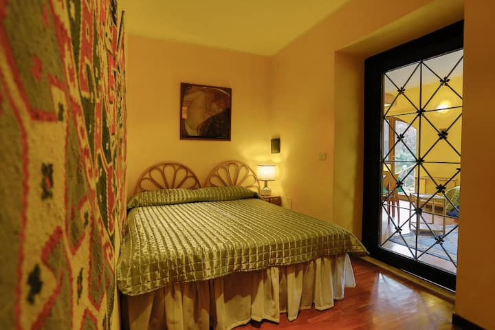 Apartment in villa near Rome