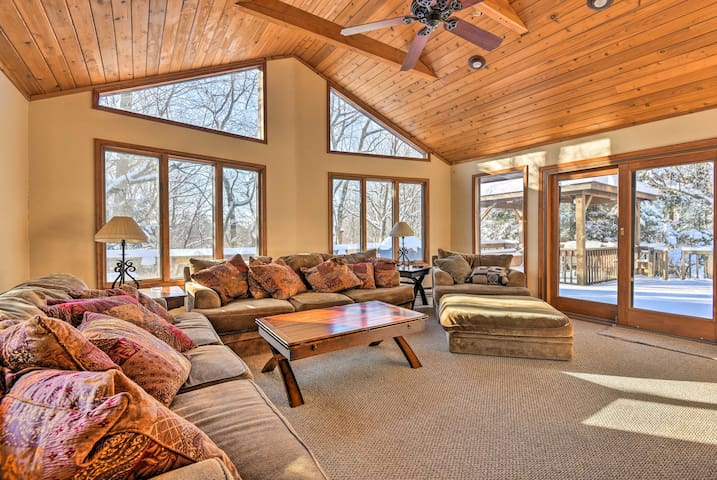 Updated & Private Lake Harmony Home w/ Large Deck!