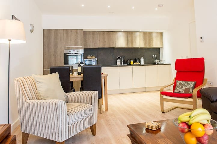 Modern Apartment with  2 Bedroom and 2 Bathrooms