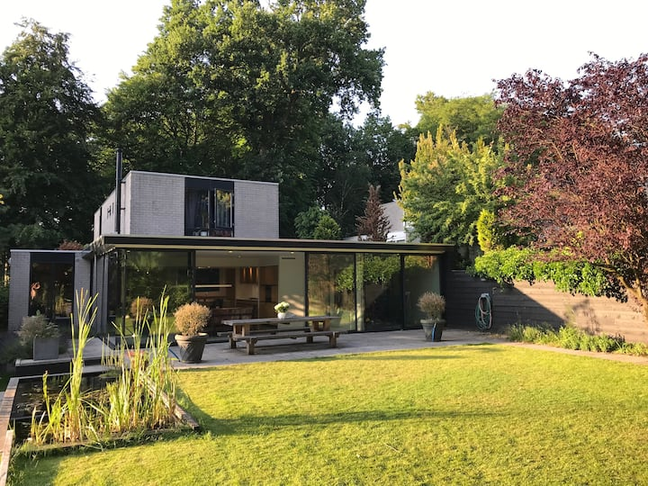 Spacious Villa  close to Amsterdam