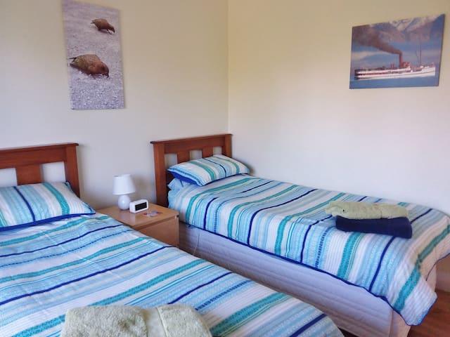 twin singles bedroom