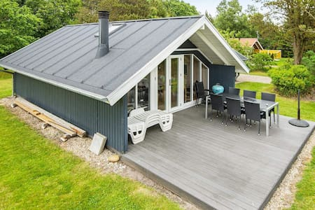 Spacious Cottage in Oksbøl with Sauna