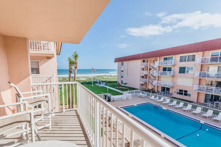 Spacious luxury right on the beach! Steps to it all and great for the family!