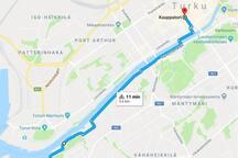 Ulkoilureitti keskustaan / Bicycle or walk route to the center.