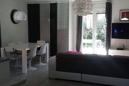 Maison tout confort piscine - Puget-ville - Casa