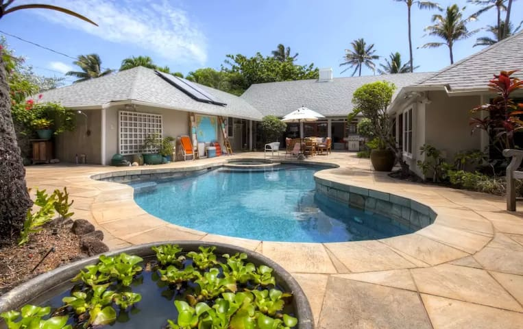 Quaint Beachside 1BR Kailua Cottage w/Wifi - Kailua - Rumah