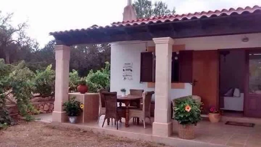 Beautiful Bijou Casita in San Josep - Sant Josep de sa Talaia - House