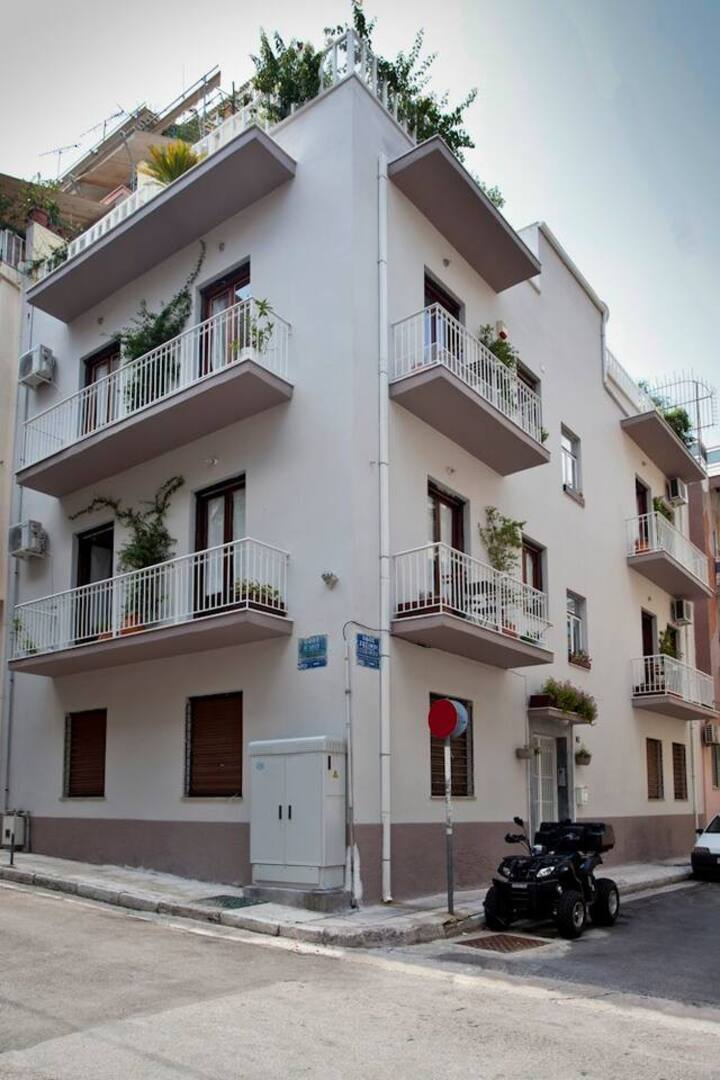 Jasmine Fully Equipped Apartment In Exarchia House