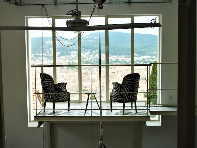 Grand Loft avec vue sur mer à Hyères
