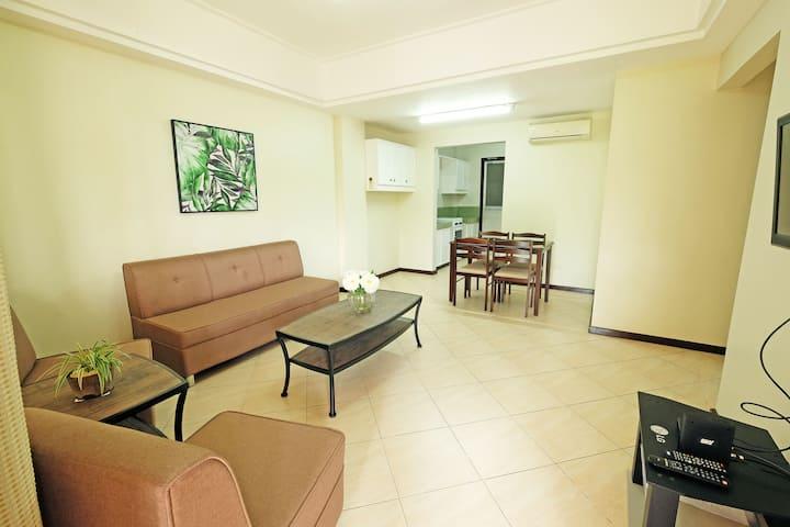 2BR Fully Furnished Apartment - Las Palmeras 4