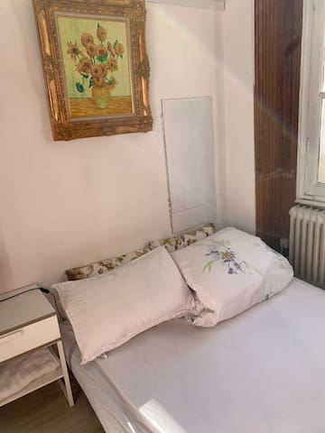 Friendly studio in the 2nd district of Paris